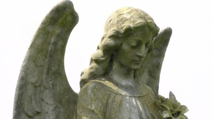 cemetery-angel-in-graveyard-1398705207Pm4 publicdomainpictures.net