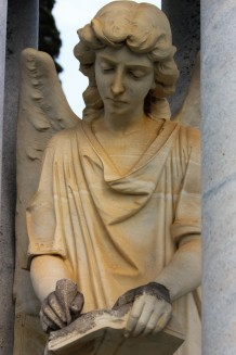 angel-statue-writing-2