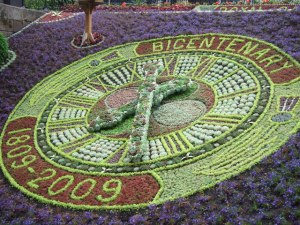 Floral_clock_in_Princes_Street_Gardens_-_geograph.org.uk_-_1387395
