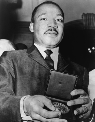 Martin_Luther_King_Jr_with_medallion_NYWTS public domain