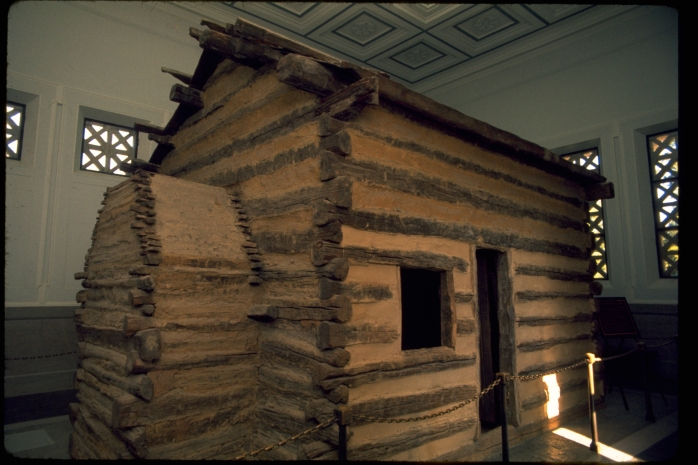 lincoln-log-cabin-replica