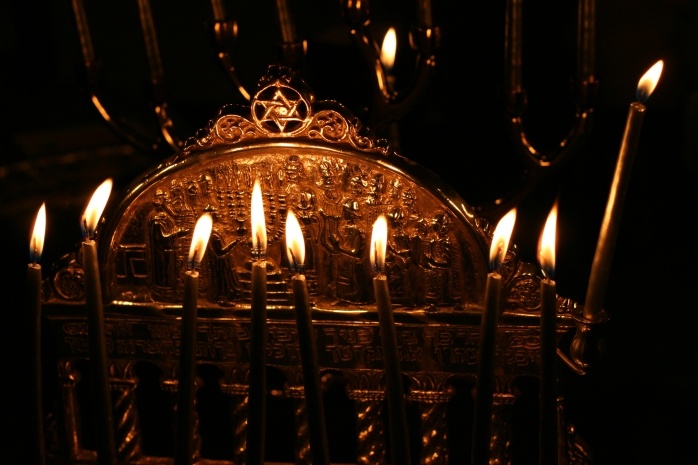 Hanukkah_menorah from wikimedia commons